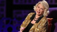 The Manhattan clinic where Joan Rivers suffered cardiac arrest last month is still open although an accreditation group is calling for it to suspend procedures and surgeries.