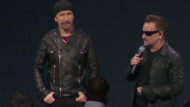 Bono revela que nunca se quita los lentes oscuros porque padece glaucoma