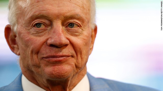 Demandan al dueño de los 'Cowboys' de Dallas por asalto sexual