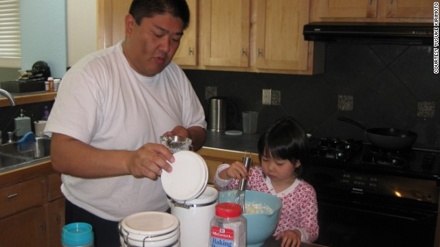 Kirimoto and his daughter Sara cook together in December 2010. His weight at the time was around 270 pounds, the heaviest he has ever been. It was during this month that he decided to make a lifestyle change and lose weight.
