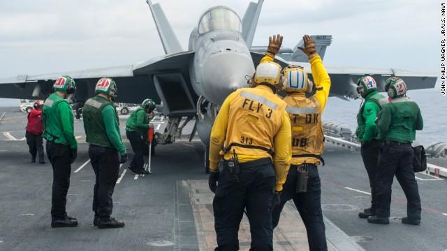 Dos aviones de la Marina de EE.UU. se estrellan en el océano Pacífico