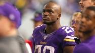 Detienen por maltrato infantil a estrella de NFL