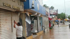 Hurricane Odile threatens Baja Peninsula