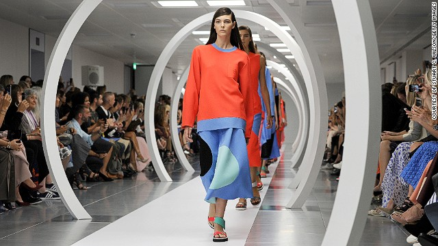Roksanda Ilincic experimented with block colors and quirky shapes.