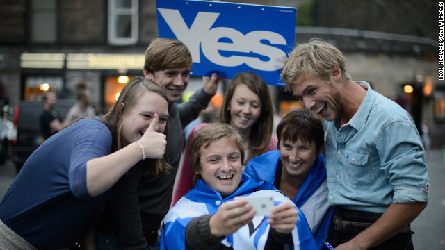 Independence supporters take a selfie ahead of a concert in Edinburgh on Sunday, September 14.
