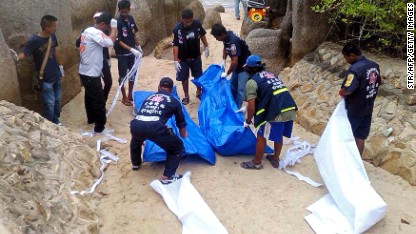 Search for killers in Thai beach
