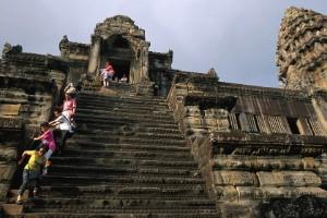 Escaleras del templo Angkor Wat, Camboya