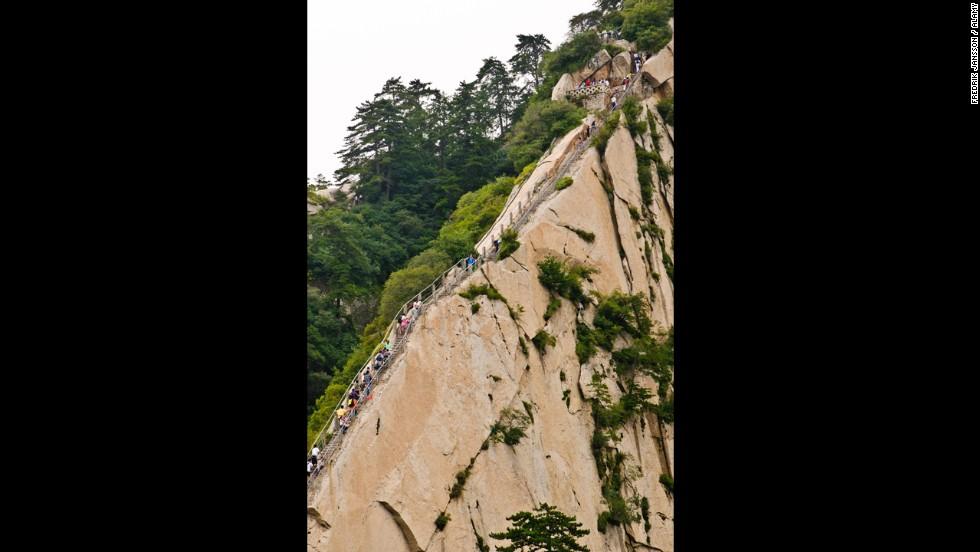 Escaleras del cielo del Monte Huashan, China