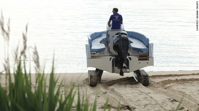 The two hydraulic rollers allow the amphibious vessel to travel on dry land for around 800 meters. But be warned, driving on public raods is not an option.