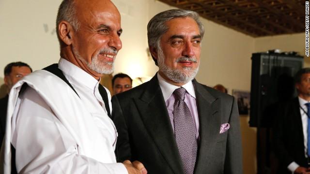 Rivales políticos en Afganistán firman acuerdo para un gobierno de unidad
