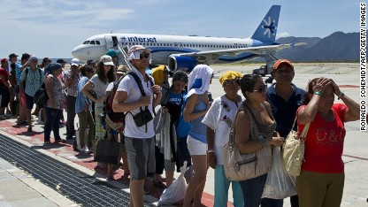 Hurricane strands tourists in Mexico