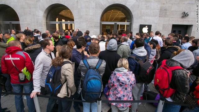 El iPhone 6 genera largas filas en su primer día a la venta