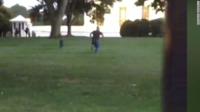 White House intruder was carrying knife