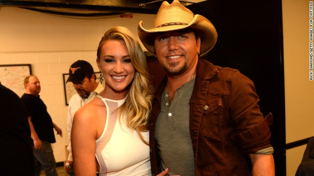 Jason Aldean engaged to Brittany Kerr, and more news to note