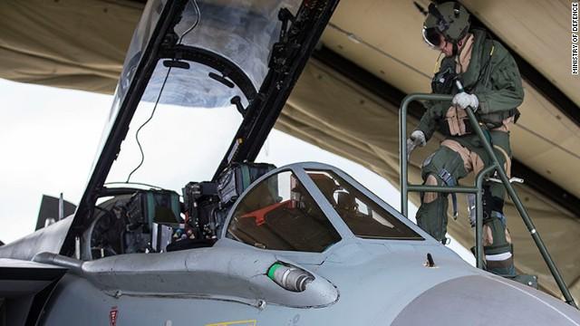 """Jets de combate británicos, """"listos para el ataque"""" contra ISIS en Iraq"""