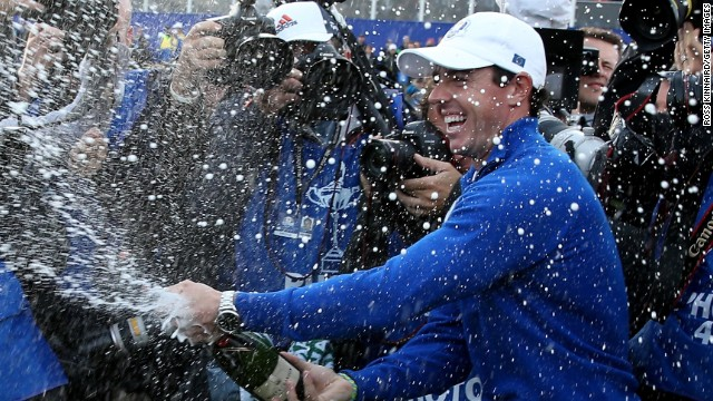 World number one Rory McIlroy led from the front with a 5&4 victory over fellow young gun Rickie Fowler.