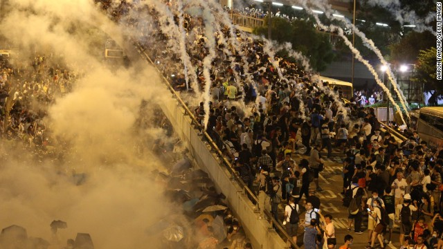 Clashes between pro-democracy students and police continued in the financial district on September 28.