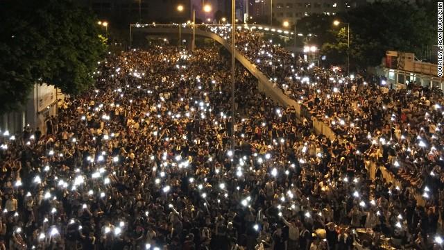 http://i2.cdn.turner.com/cnn/dam/assets/140930025408-hk-cellphone-lights-horizontal-gallery.jpg