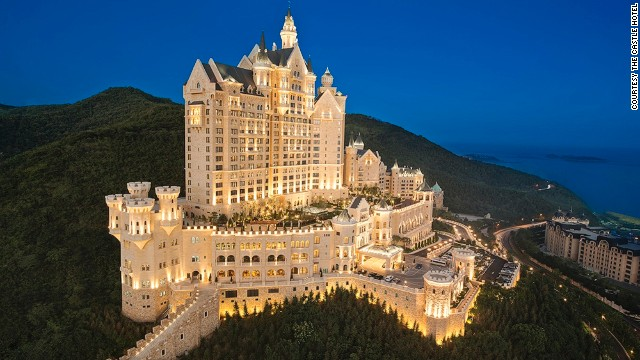 The Castle Hotel is a 15-minute drive from the bustling Chinese port city of Dalian and offers great views of the Yellow Sea.