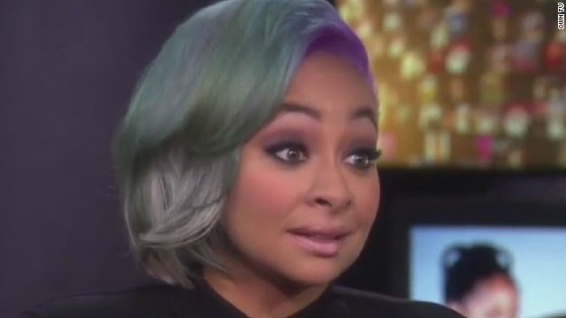 The 32-year old daughter of father Christopher B. Pearman and mother Lydia Gaulden, 157 cm tall Raven-Symoné in 2018 photo