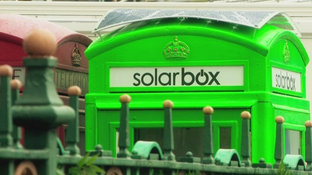¿Por qué las cabinas telefónicas rojas de Londres ahora son verdes?