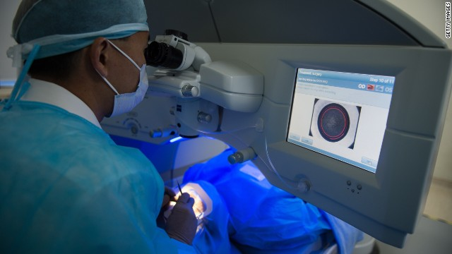The clinic is the first in Singapore to acquire the multi-million dollar ZEISS Femtosecond Laser System.