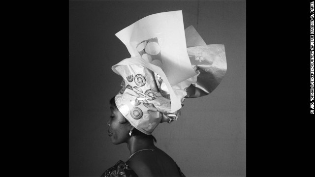 Through his career spanning six decades, the photographer focused on all areas of Nigerian daily life. Another area he documented was the changing styles of headdresses.
