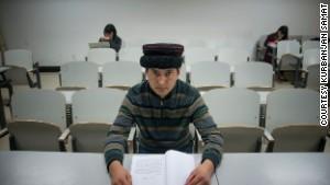 Uyghur photographer battles stereotypes