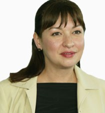 Elizabeth Peña died from alcohol abuse