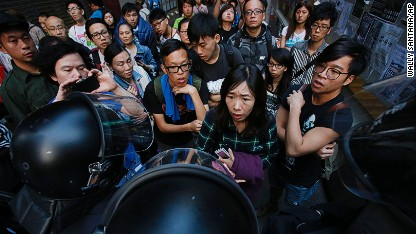 Hong Kong: Can talks end stalemate?