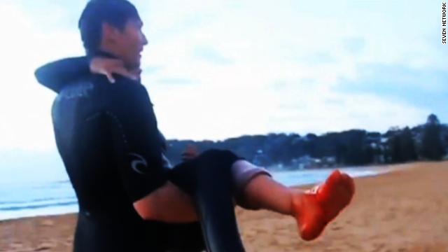 Afbeelding bij Shark attacks 13-year-old girl
