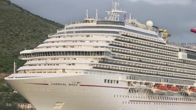 Pasajera de crucero regresa a Texas tras ser descartada de ébola; hospital pide disculpas