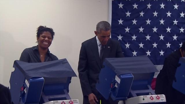 """No toques a mi novia"", le dice un hombre de Chicago a Obama"