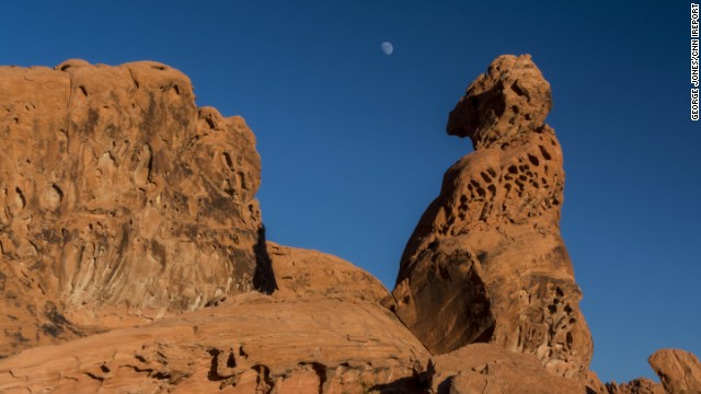 Nevada's <a href='http://parks.nv.gov/parks/valley-of-fire-state-park/' target='_blank'>Valley of Fire State Park</a> gets its name from its towering red sandstone formations. Founded in 1935, it's the state's oldest and largest<a href='http://ireport.cnn.com/docs/DOC-1068770'> park</a>.
