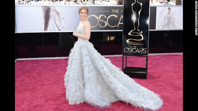 The handcrafted Oscar de la Renta gown that Amy Adams wore to the 2013 Oscars was so ethereal it almost looked as though the actress was floating on air.