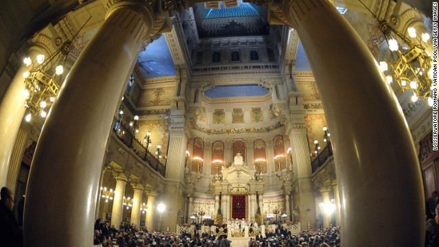 Built between 1901-1904, Rome's Great Synagogue draws tourists from all over the world.