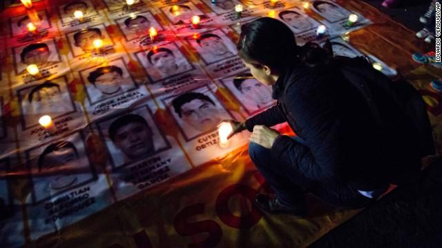 Un mes después, aún no se sabe dónde están los estudiantes de México