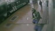 Un hombre ataca a policías de NY con un hacha