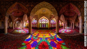 The dazzling symmetry of Iran's mosques