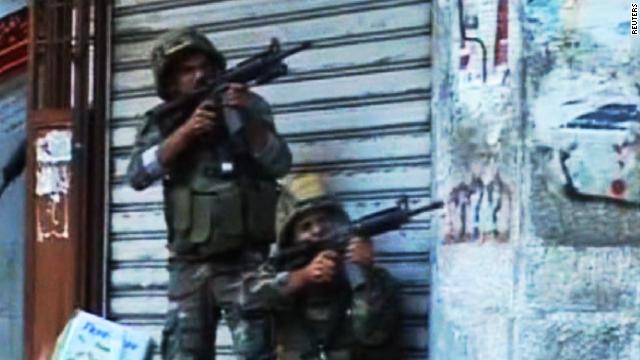 Lebanese soldiers, militants clash