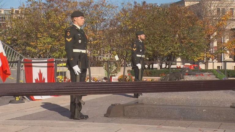 Guards return to Ottawa memorial...
