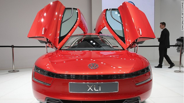 The Volkswagen XL1 is a diesel hybrid that consumes only one liter of fuel per 100 kilometers, and has been named the winner of the Transport category in the annual Designs of the Year Award held by the London Design Museum.