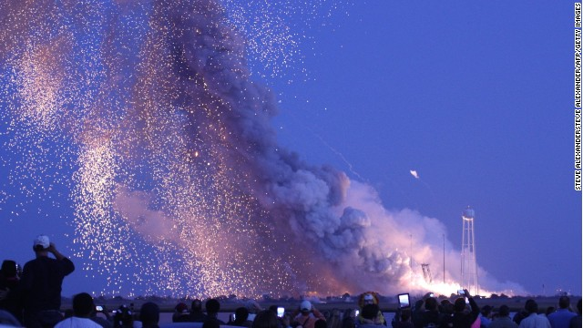 Autoridades advierten sobre los riesgos de acercarse a los escombros del cohete Antares