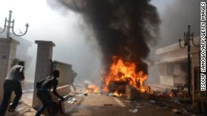 Protesters burn Burkina Faso parliament