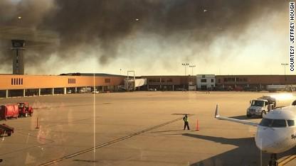 Plane hits building at Wichita airport