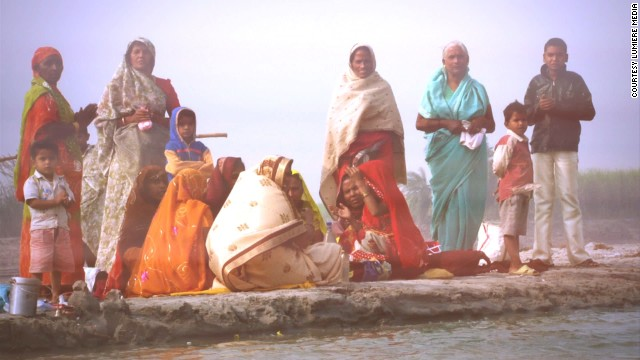 The camera captured vibrant footage of India as well as Baldwin's feat on the river.