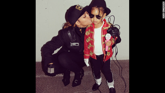 <a href='http://instagram.com/p/u1RCCovw-U/?modal=true' target='_blank'>Beyonce</a> and Blue Ivy went as Janet and Michael Jackson.