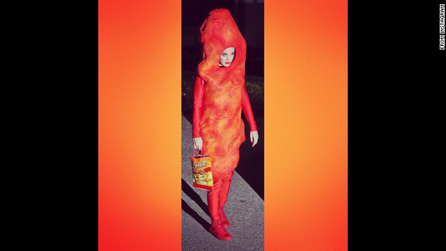 <a href='http://instagram.com/p/uz0xoYv-cu/?utm_source=partner&utm_medium=embed&utm_campaign=photo&modal=true' target='_blank'>Katy Perry</a> as a giant Cheeto.