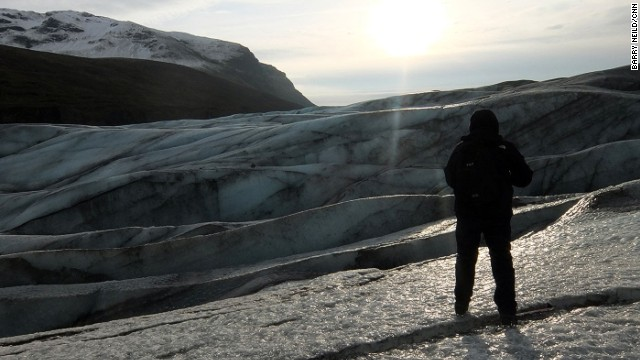 The Svinafellsjokull glacier pushes forward between 25 and 30 meters each year, but summer melting currently causes it to retreat 40 meters.