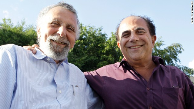 "<a href='http://www.cnn.com/2014/11/03/showbiz/celebrity-news-gossip/tom-magliozzi-car-talk-dies/index.html' >Tom Magliozzi</a>, left, half of the ""Click and Clack"" team of brothers who hosted NPR's ""Car Talk"" radio show, died November 3. He was 77."